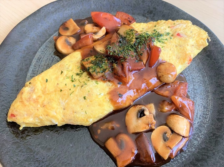 Japanese Sauce for Omelette and Mixed Vegetables